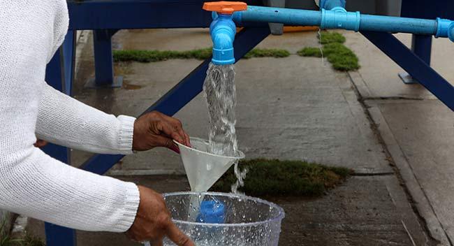 agua del aire grifo filtrado