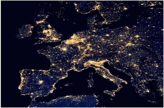 cntaminación lumínica de Europa desde el cielo