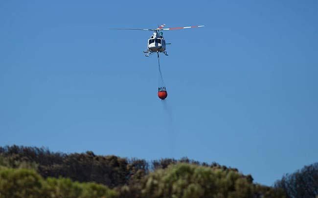 helicóptero bomba de agua