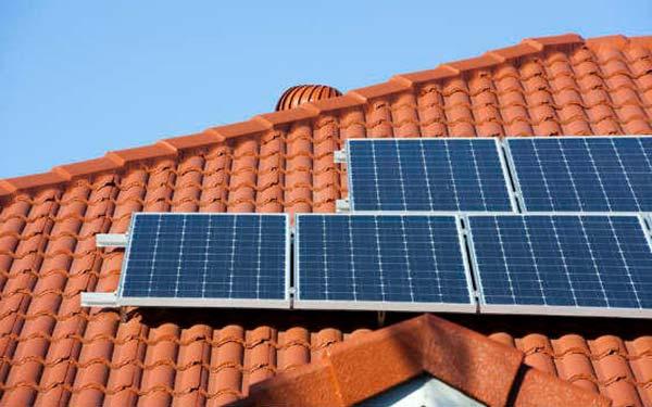 paneles fotovoltaicos en tejado