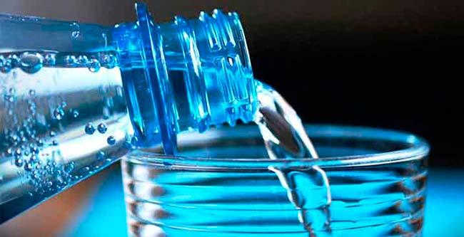 agua embotellada o agua filrada