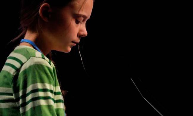 Greta Thunberg dando un discurso