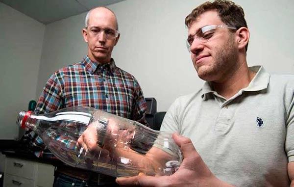 investigadores enzima mutante que degrada el plastico
