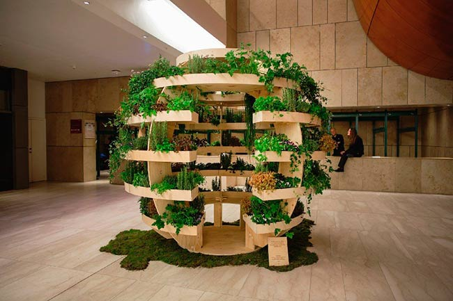huerto vertical urbano de madera