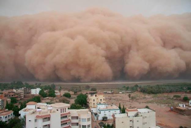 nubes tormentas de arena