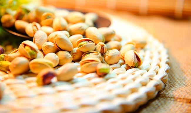 pistachos como comer