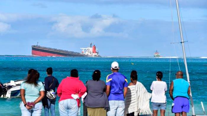 vertido de petroleo en la isla Mauricio Portada