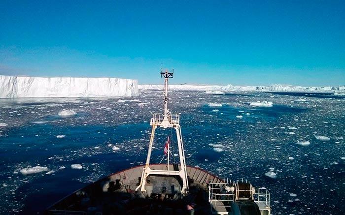 actividad volcanica bajo glaciar antartida Portada